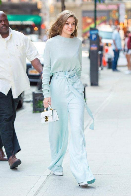 连体裤有多时髦 穿了才知道!莎斯莱思时髦减龄又显瘦