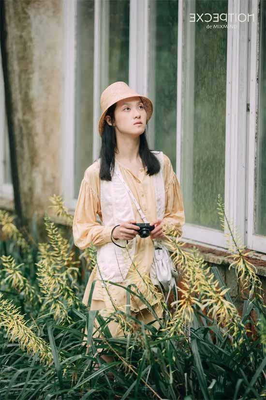 把自然穿在身上 感受草木原色抚触肌肤的生命质感