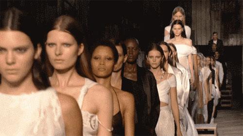 广东时装周 说说那些不得不说的时装周往事