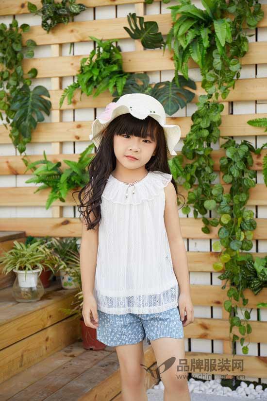 轻薄透亮还防晒  今夏白色衣服搭配无限可能