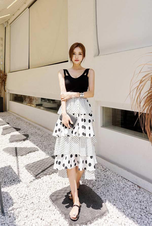 春美多:波点半身裙如何搭配 夏日最美穿搭气质又迷人