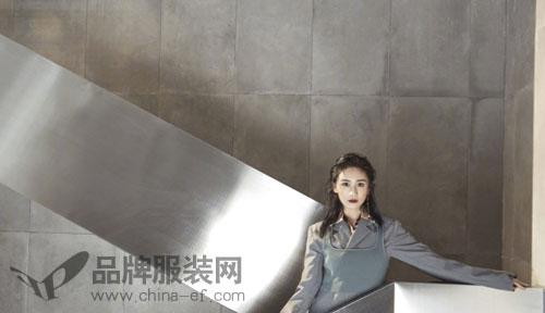率性辣妈刘芸参与时尚拍摄 多变时装风格随心展现