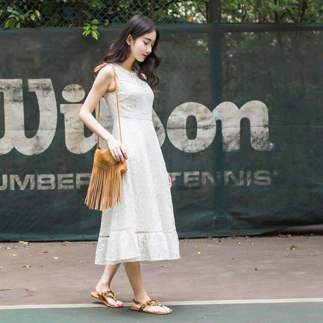 聚多品女装:出游季 长裙教你穿出度假风