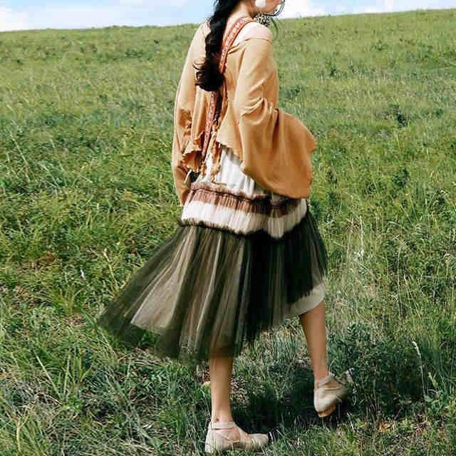 聚多品:美女出游选件时尚纱裙搭配的!