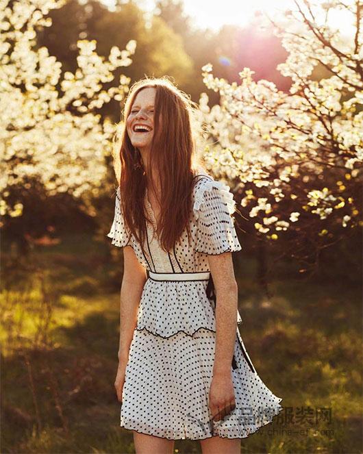 波兰超模Magdalena Jasek登上波兰版《时尚芭莎》六月刊