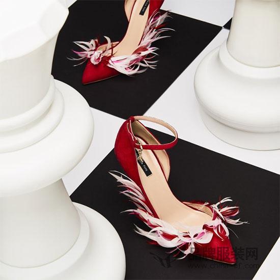 Patrizia Pepe柏翠莎佩佩2018新品上市 <a href='http://fashion.china-ef.com/'  style='text-decoration:underline;'  target='_blank'>时尚</a>是一种游戏