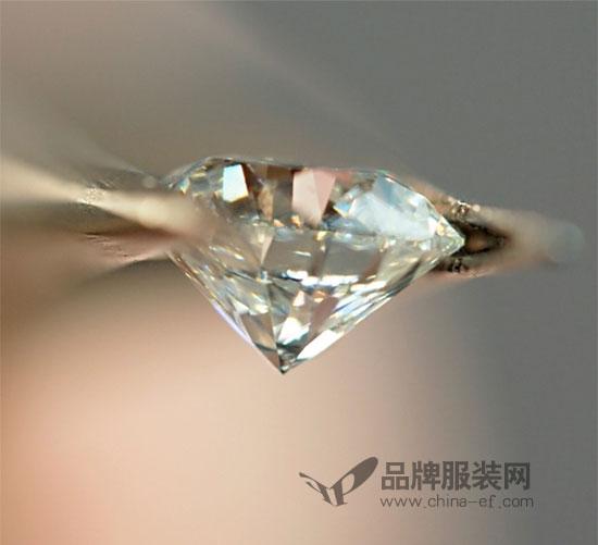 De Beers戴比尔斯 就是您的专属钻石定制专家