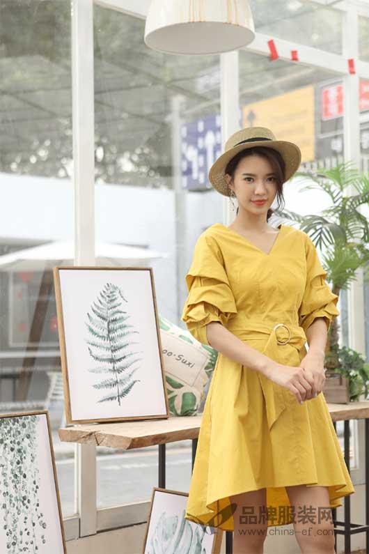 伽戈JOLYGLITZ女装 时尚的新款给予十足的夏日气质