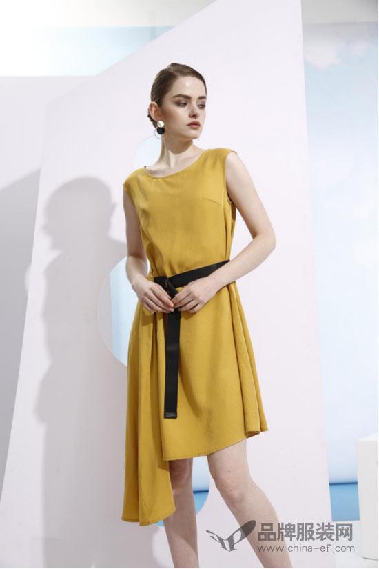 欧米媞oumiti女装新品速递:条纹、波点元素装点Uptown Girl