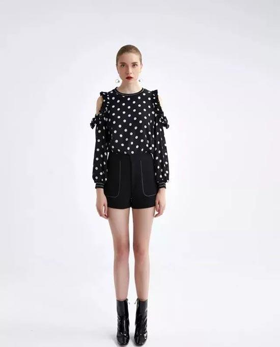YI SHILING一时令:高阶时尚与现实穿着的完美融合