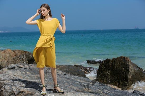 依贝奇品牌女装夏季新品 让你时时刻刻都美美的~