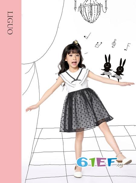 家有女儿如何搭配?力果连衣裙给她幸福童年!