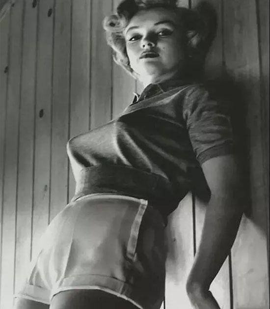 70年前流行的是子弹头胸罩 当下流行的胸罩你可能想不到···