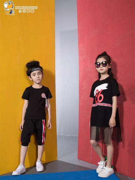 小马嘟嘟:孩子适合穿什么料子的衣服?