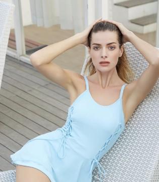 """夏季去海边游耍 当然少不了一套时尚的""""欧诗雨""""泳衣"""