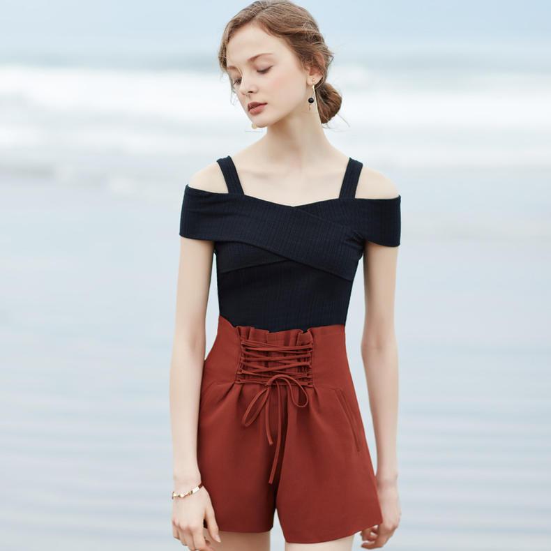 春美多:夏天牛仔裤搭配什么上衣凉快 这样穿清凉一夏