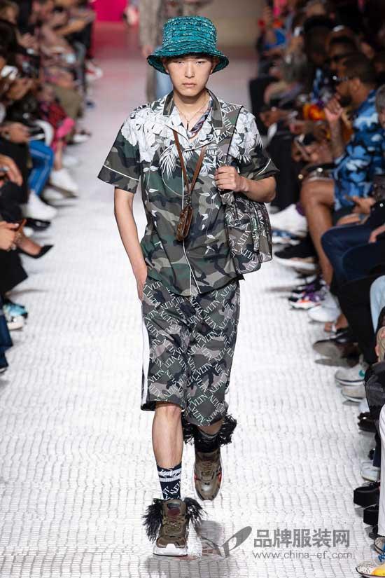 华伦天奴男装现身巴黎时装周 亲民的潮男爆款