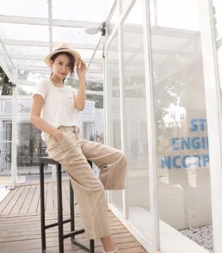 简约范走起 伽戈品牌女装白色T恤玩转炎热盛夏