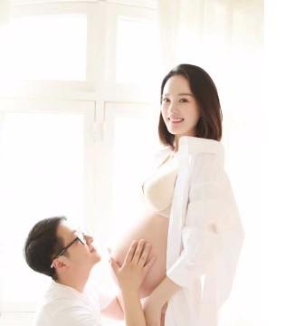 娱乐圈好孕连连 馨仪怀孕4个月 卓亨瑜生子撒狗粮