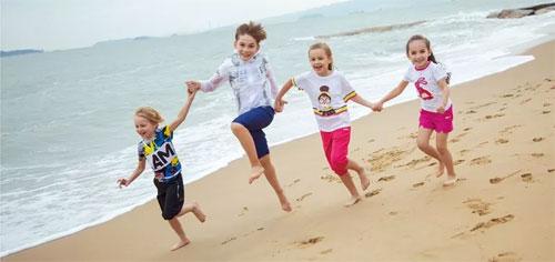 漫步海滩 享受夏日 CAMKIDS暑期出行推荐
