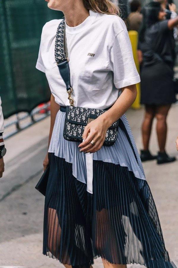 品牌折扣女装聚多品:T恤搭配什么裙子好看