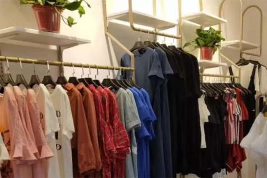 佰莉衣橱品牌女装让女性朋友更加自信!