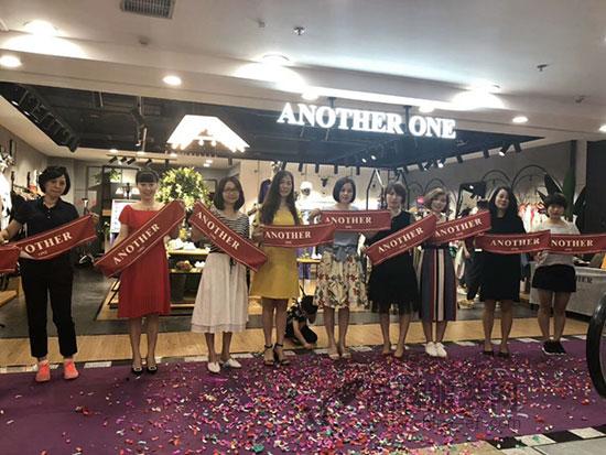 祝贺ANOTHER ONE厦门三店中山巴黎春天店齐开业!