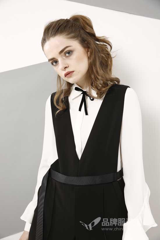 三招成就冻龄女人  欧米�q品牌女装有你想要的少女秘密