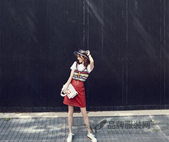 何穗、娜扎、林允演绎Roger Vivier春夏系列新品