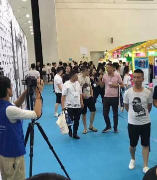 WOLEYI在2018武汉国际服博会上受到追捧