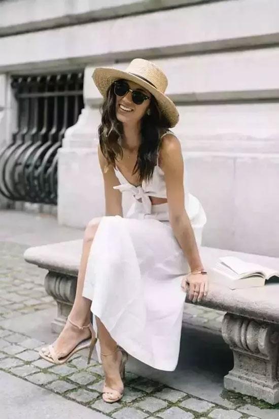 """白裙子除了""""清纯""""和""""极简"""" 也可以""""性感""""和""""妩媚"""""""