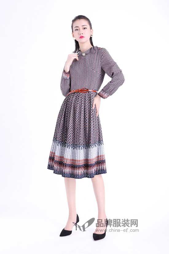 淑女的你秋冬真的不能错过一件文果怡彩复古印花裙