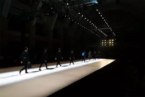 广东时装周流花中心的日与夜是属于你的时尚时间