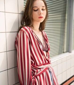 C道出位 明星街拍风尚 时尚自由点的夏季服饰里都有