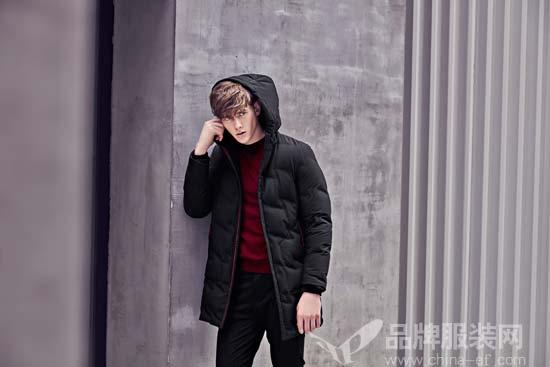 黑色虽然百搭 但是穿成经典款才是时尚达人