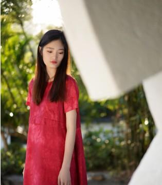 底色Dins品牌以独特的简雅让女装品牌更加活跃