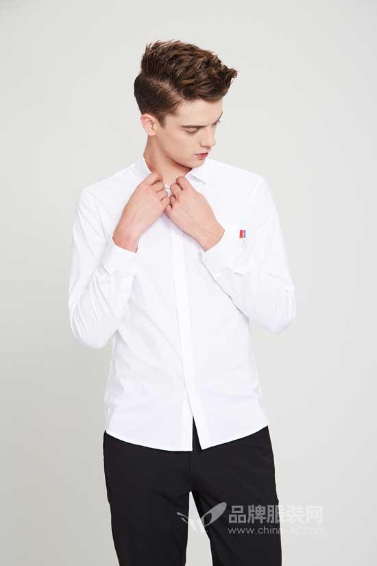 佐纳利男装让男人的青春活力在黑色和红色中延伸