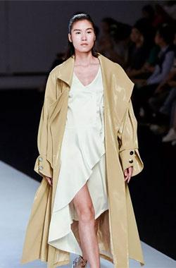 亞創國際新品發布會:時尚藝術與服裝工藝融合的魅力綻放