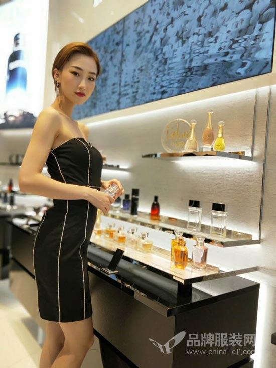 打造中国个性化<a href='http://www.china-ef.com/brand/list-3-0-0-0-0-0-1.html'  style='text-decoration:underline;'  target='_blank'>女装品牌</a> 维斯提诺期待与您携手并进
