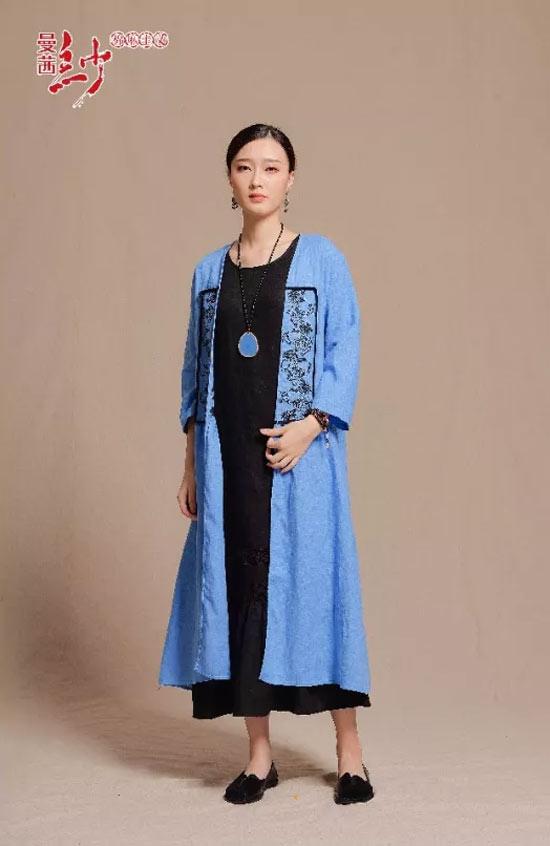 曼茜纱女装2018秋装新品上市――蝴蝶兰