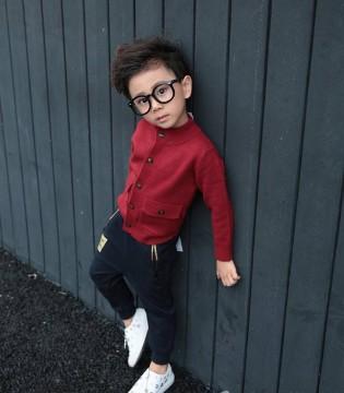 小马嘟嘟用色彩诠释时尚 让你做个炫酷小潮童