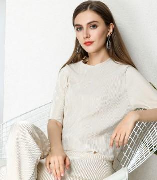 依贝奇以大气的商务质感女装引领市场潮流