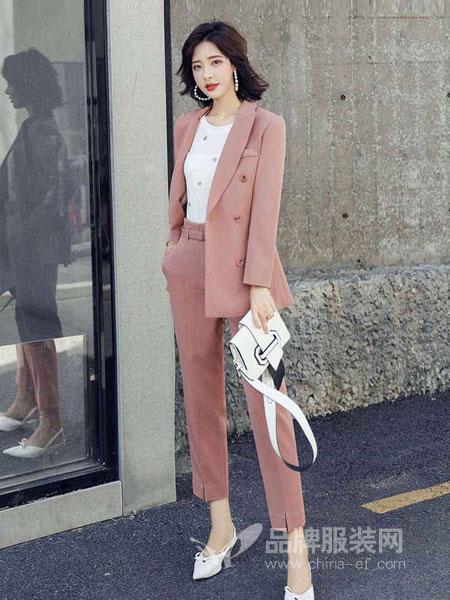 搜美女装:这些秋季的时髦单品你都备齐了吗?