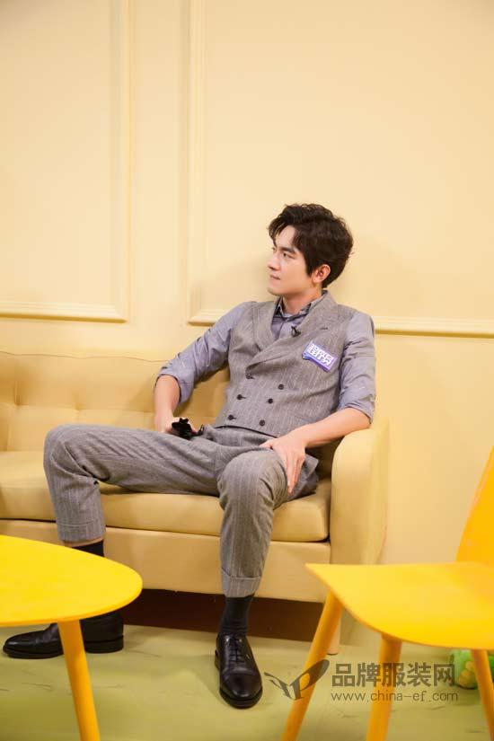 林更新化身翩翩公子 演绎型男绅士魅力