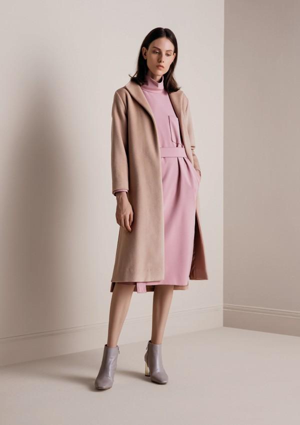 品牌服装网成功推荐吉林崔女士与阿莱贝琳签约合作!
