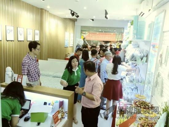 热烈祝贺娇诗博越南胡志明市店开业大吉