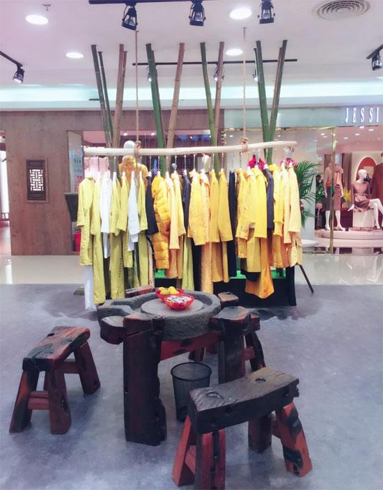 新店开业:恭祝东城海雅曼茜纱开业大吉