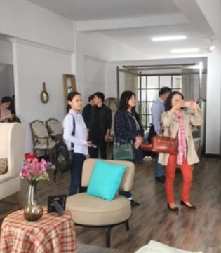 中国服装大会开幕在即 新申亚麻村迎各地服装协会参观