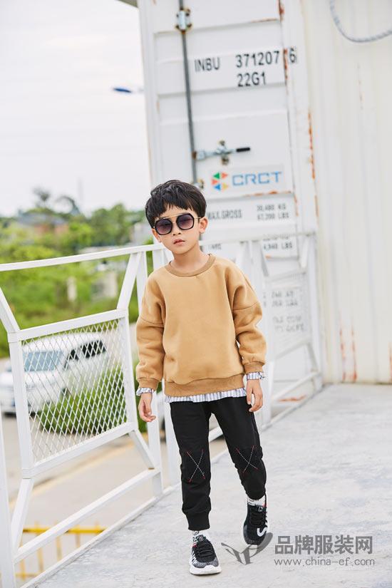 """小猪宾果上新 打造一只""""运动范""""的时尚小少年"""