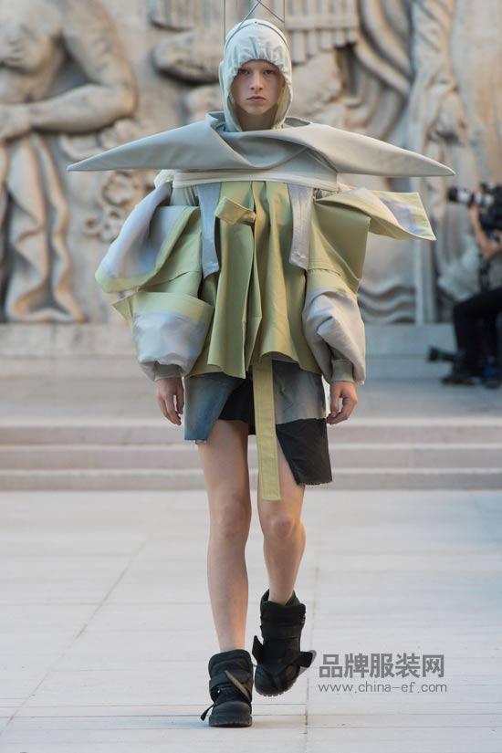 凡人看不懂的时尚 Rick Owena的暗黑美学